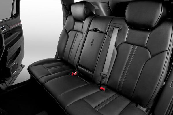 Lincoln Town Car Sedan Interior 1