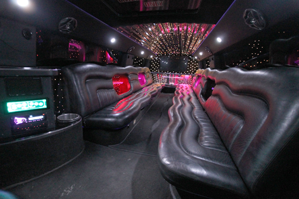 20-Passenger-H2-Hummer-Limousine-interior-1